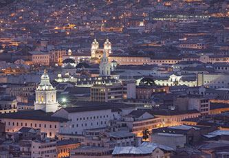 Centro histórico de Quito en la noche