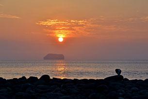 Finch Bay Island 2 Island: exploración en yate