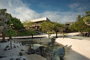 National Geographic Unique Lodges of the World: Finch Bay