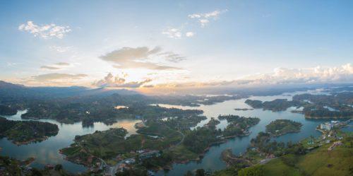 Lagos e islas en Guatapé, Colombia